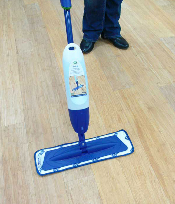 Cleaning a bamboo floor